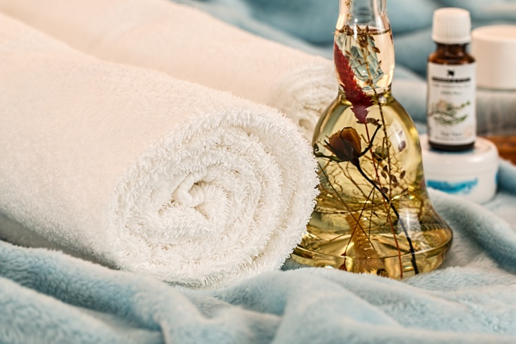 massage-therapy-1612308.jpg